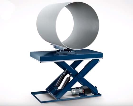 Lifting-table-with-large-pipe-on-top