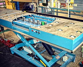 scissor-lift-with-roller-conveyor